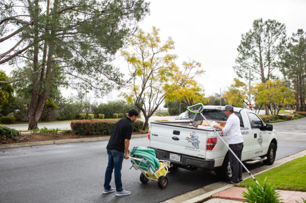 Image of how to start a pool cleaning business