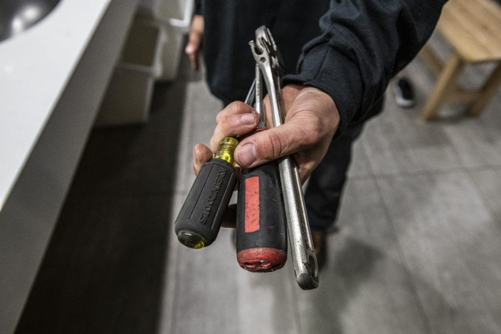 How to become a handyman: courses and training